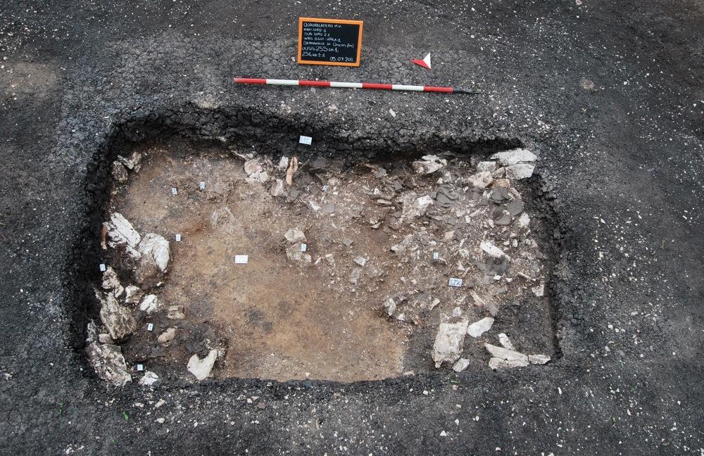 Foto dettaglio tomba 1 durante le fasi di indagine
